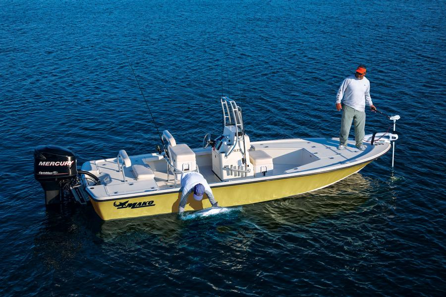 Mako boats offshore boats 2015 184 cc photo gallery for Inshore fishing boats