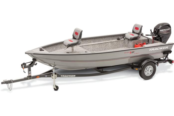 2015 TRACKER Guide V-16 Laker DLX T boat trailer