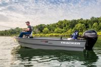 2015 TRACKER Guide V-16 Laker DLX T fishing boat