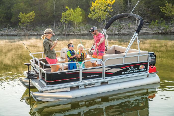 SUN TRACKER Boats : Fishing Pontoons : 2018 BASS BUGGY 16 DLX ...