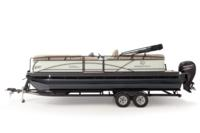 Black Metallic Diamond Coat, Pearl White fencing & Tan interior<br>Exclusive QuickLift™ 11' (3.35 m) color-keyed Bimini top w/Diamond Coat™, LED courtesy lights & protective boot (in trailer position)
