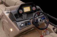 New shroud, multifunction gauges, new flush-mounted Lowrance® HOOK<sup>2</sup> 7 Combo depthfinder w/SplitShot™ & deluxe sport steering wheel