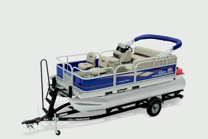 BASS BUGGY 16 DLX_img178441_700 sun tracker boats fishing pontoons 2019 bass buggy 16 dlx