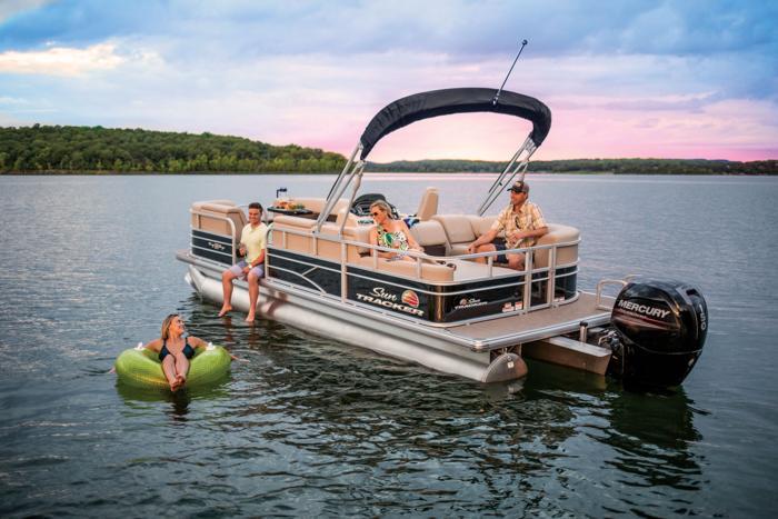 Sun Tracker Pontoon Boats >> Sun Tracker Boats Recreational Pontoons 2019 Party Barge